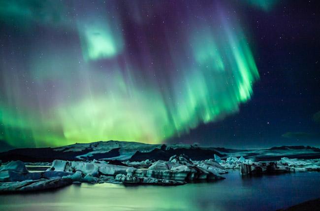 island-aurora-borealis.jpg